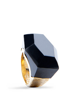 Ring Medala6 C - predominant colour: black; style: cocktail; size: large/oversized; material: plastic/rubber
