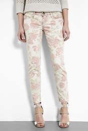 Red Rose Print Stiletto Skinny Jean Current/Elliot - style: skinny leg; pattern: floral - busy, floral - light, florals; waist: low rise; pocket detail: traditional 5 pocket; predominant colour: white; occasions: casual, evening; length: ankle length; fibres: cotton - stretch; material texture: denim; trends: pastels, prints; texture group: denim; pattern type: fabric; pattern size: small &amp; light
