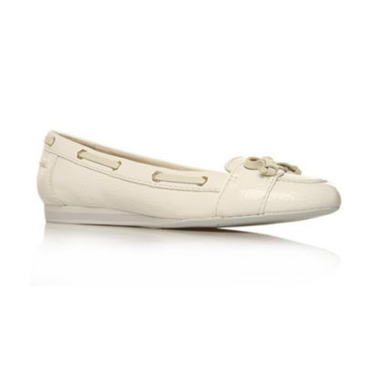White Clarence3 Flat Shoes - predominant colour: white; material: faux leather; heel height: flat; toe: round toe; style: ballerinas / pumps
