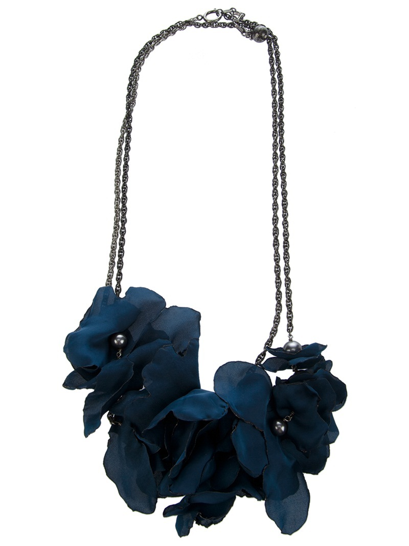 Flower Necklace - predominant colour: teal; style: standard; length: short; size: standard; material: chain/metal