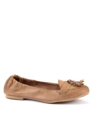 Exclusive Tan Leather Moccasins - predominant colour: camel; material: leather; heel height: flat; embellishment: elasticated, tassels; toe: round toe; style: moccasins