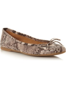 Prior Ballerina, Natural - predominant colour: stone; occasions: casual, evening, work; material: leather; heel height: flat; toe: round toe; style: ballerinas / pumps; finish: plain; pattern: animal print