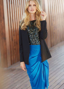 Jersey Jacket - pattern: plain; style: single breasted blazer; length: below the bottom; collar: standard lapel/rever collar; predominant colour: black; occasions: evening, work, occasion; fit: straight cut (boxy); fibres: polyester/polyamide - stretch; sleeve length: long sleeve; sleeve style: standard; texture group: cotton feel fabrics; collar break: low/open; pattern type: fabric; pattern size: standard