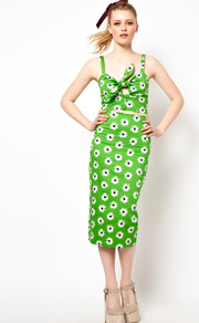 Pencil Skirt In Retro Daisy Print - length: calf length; style: pencil; fit: tailored/fitted; waist: high rise; predominant colour: lime; occasions: casual, evening; fibres: cotton - stretch; trends: high impact florals; pattern type: fabric; pattern size: standard; pattern: florals; texture group: woven light midweight