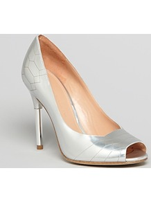 Pumps Kitty Peep Toe - predominant colour: silver; occasions: evening, occasion; material: leather; heel height: high; heel: stiletto; toe: open toe/peeptoe; style: courts; trends: metallics; finish: metallic; pattern: plain