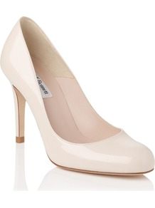 Shilo Closed Court, Off White - predominant colour: ivory; occasions: evening, work, occasion; material: leather; heel height: high; heel: stiletto; toe: round toe; style: courts; finish: patent; pattern: plain