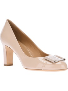 'Soleada' Pump - predominant colour: nude; occasions: evening, work, occasion; material: leather; heel height: mid; embellishment: snaffles; heel: block; toe: round toe; style: courts; finish: patent; pattern: plain
