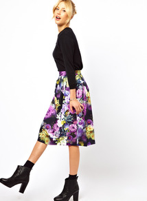 Midi Skirt In Statement Floral Print - length: below the knee; style: full/prom skirt; fit: loose/voluminous; waist detail: wide waistband/cummerbund; waist: high rise; predominant colour: purple; secondary colour: black; occasions: evening, work, holiday; fibres: cotton - stretch; hip detail: ruching/gathering at hip; texture group: cotton feel fabrics; trends: high impact florals; pattern type: fabric; pattern size: big & busy; pattern: florals