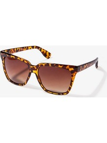 F7177 Oversized Square Sunglasses - predominant colour: chocolate brown; occasions: casual, holiday; style: square; size: large; material: plastic/rubber; pattern: tortoiseshell; finish: plain