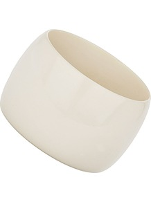 Cream Resin Bangle - predominant colour: ivory; occasions: casual, occasion, holiday; style: bangle; size: large/oversized; material: chain/metal; finish: plain
