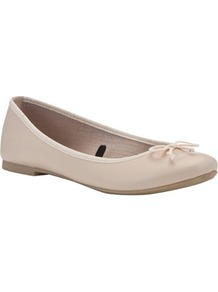 Leather Ballerina Pumps - predominant colour: ivory; occasions: casual, evening, work, holiday; material: leather; heel height: flat; toe: round toe; style: ballerinas / pumps; finish: plain; pattern: plain; embellishment: bow