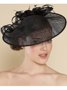 Large Sin Disc With Feather Flower - predominant colour: black; occasions: occasion; style: wide brimmed; size: large; material: macrame/raffia/straw; embellishment: feather; pattern: plain