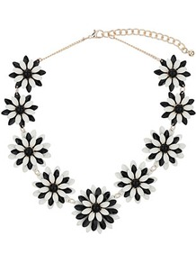 Black Whote Flower Collar - secondary colour: white; predominant colour: black; occasions: casual, evening, occasion, holiday; style: choker/collar; length: short; size: standard; material: chain/metal; finish: plain; embellishment: chain/metal