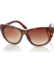 Tortoise Shell Cat Eye Sunglasses Conker - predominant colour: chocolate brown; secondary colour: tan; occasions: casual, evening, work, occasion, holiday; style: cateye; size: large; material: plastic/rubber; pattern: tortoiseshell; finish: plain