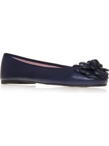 Coton - predominant colour: navy; occasions: casual, work; material: leather; heel height: flat; toe: round toe; style: ballerinas / pumps; finish: plain; pattern: plain