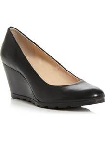 Black Leather Atreat Simple Wedged Heel Court Shoe - predominant colour: black; occasions: casual, evening, work; material: leather; heel height: mid; heel: wedge; toe: round toe; style: courts; finish: plain; pattern: plain