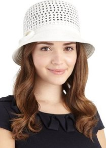 Small Brim Weave Braid Bow Hat - predominant colour: white; occasions: casual, holiday; type of pattern: standard; style: brimmed; size: standard; material: macrame/raffia/straw; embellishment: bow, applique; pattern: plain