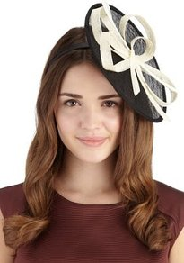 Painters Palette Mesh Headband - predominant colour: black; occasions: evening, occasion; type of pattern: standard; style: fascinator; size: large; material: macrame/raffia/straw; embellishment: bow; pattern: two-tone; trends: sculptural frills
