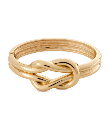Bracelet - predominant colour: gold; occasions: casual, evening, work, occasion, holiday; style: bangle/standard; size: standard; material: chain/metal; trends: metallics; finish: metallic; season: s/s 2013