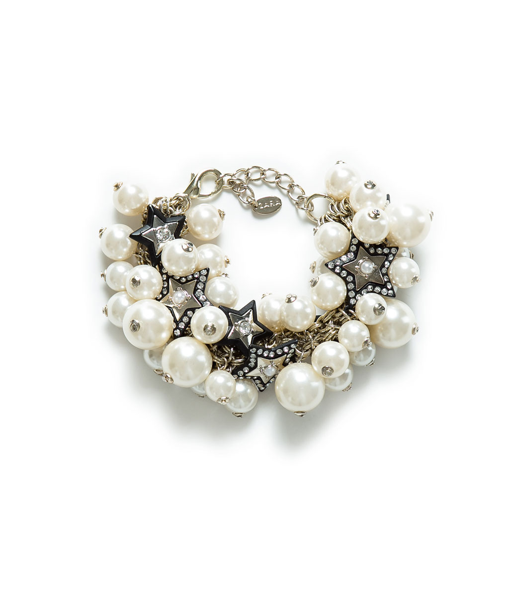Gold Chain Bracelet With Pearls - predominant colour: ivory/cream; secondary colour: black; occasions: casual, evening, work, occasion; style: chain; size: large/oversized; material: plastic/rubber; finish: metallic; embellishment: pearls; season: a/w 2013