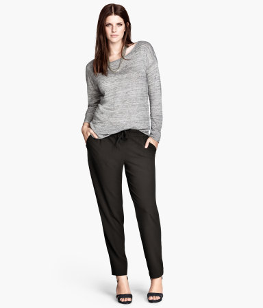 + Trousers Loose Fit - pattern: plain; style: harem/slouch; pocket detail: pockets at the sides; waist: mid/regular rise; predominant colour: black; occasions: casual, evening, work, creative work; length: ankle length; fibres: polyester/polyamide - stretch; fit: tapered; pattern type: fabric; texture group: other - light to midweight; season: a/w 2013