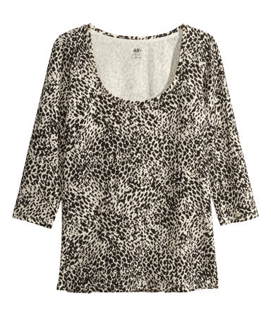 + Jersey Top - style: t-shirt; secondary colour: stone; predominant colour: black; occasions: casual, creative work; length: standard; neckline: scoop; fibres: cotton - stretch; fit: body skimming; sleeve length: 3/4 length; sleeve style: standard; pattern type: fabric; pattern: animal print; texture group: jersey - stretchy/drapey; trends: world traveller; season: a/w 2013; pattern size: big & busy (top)