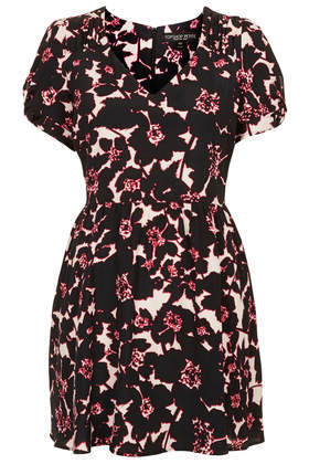 Petite Outline Floral Tea Dress - style: tea dress; length: mid thigh; neckline: v-neck; occasions: casual, evening, holiday; fit: fitted at waist & bust; fibres: viscose/rayon - 100%; predominant colour: multicoloured; sleeve length: short sleeve; sleeve style: standard; pattern type: fabric; pattern size: standard; pattern: florals; texture group: other - light to midweight; trends: furious florals; season: s/s 2014; multicoloured: multicoloured