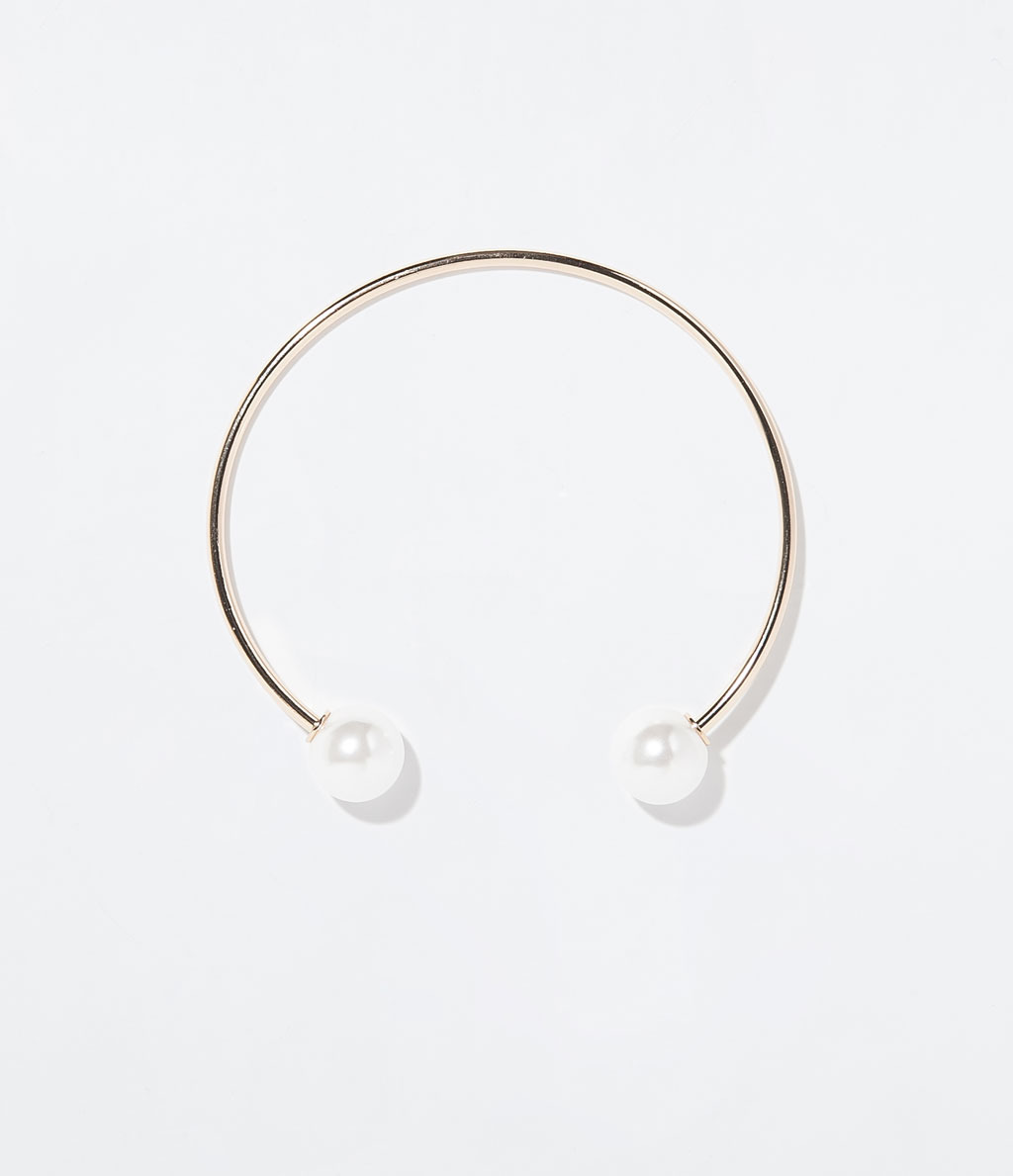 Choker With Pearls - secondary colour: ivory/cream; predominant colour: gold; occasions: evening, occasion; style: choker/collar/torque; length: choker; size: standard; material: chain/metal; finish: metallic; embellishment: pearls; season: s/s 2014