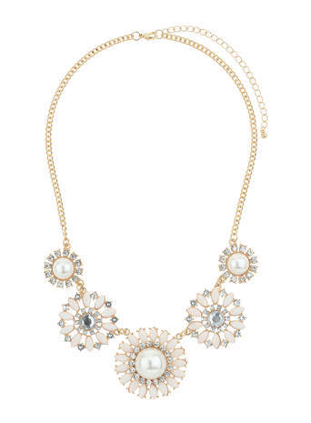 Cream Pearl Flower Collar Necklace - secondary colour: ivory/cream; predominant colour: gold; occasions: evening, occasion; length: mid; size: large/oversized; material: chain/metal; finish: metallic; embellishment: crystals/glass; style: bib/statement; season: s/s 2014