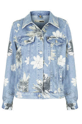 Moto Floral Western Jacket - style: denim; secondary colour: white; predominant colour: denim; occasions: casual, creative work; length: standard; fit: straight cut (boxy); fibres: cotton - 100%; collar: shirt collar/peter pan/zip with opening; sleeve length: long sleeve; sleeve style: standard; texture group: denim; collar break: high/illusion of break when open; pattern type: fabric; pattern: florals; season: a/w 2014; pattern size: big & busy (top); embellishment location: bust
