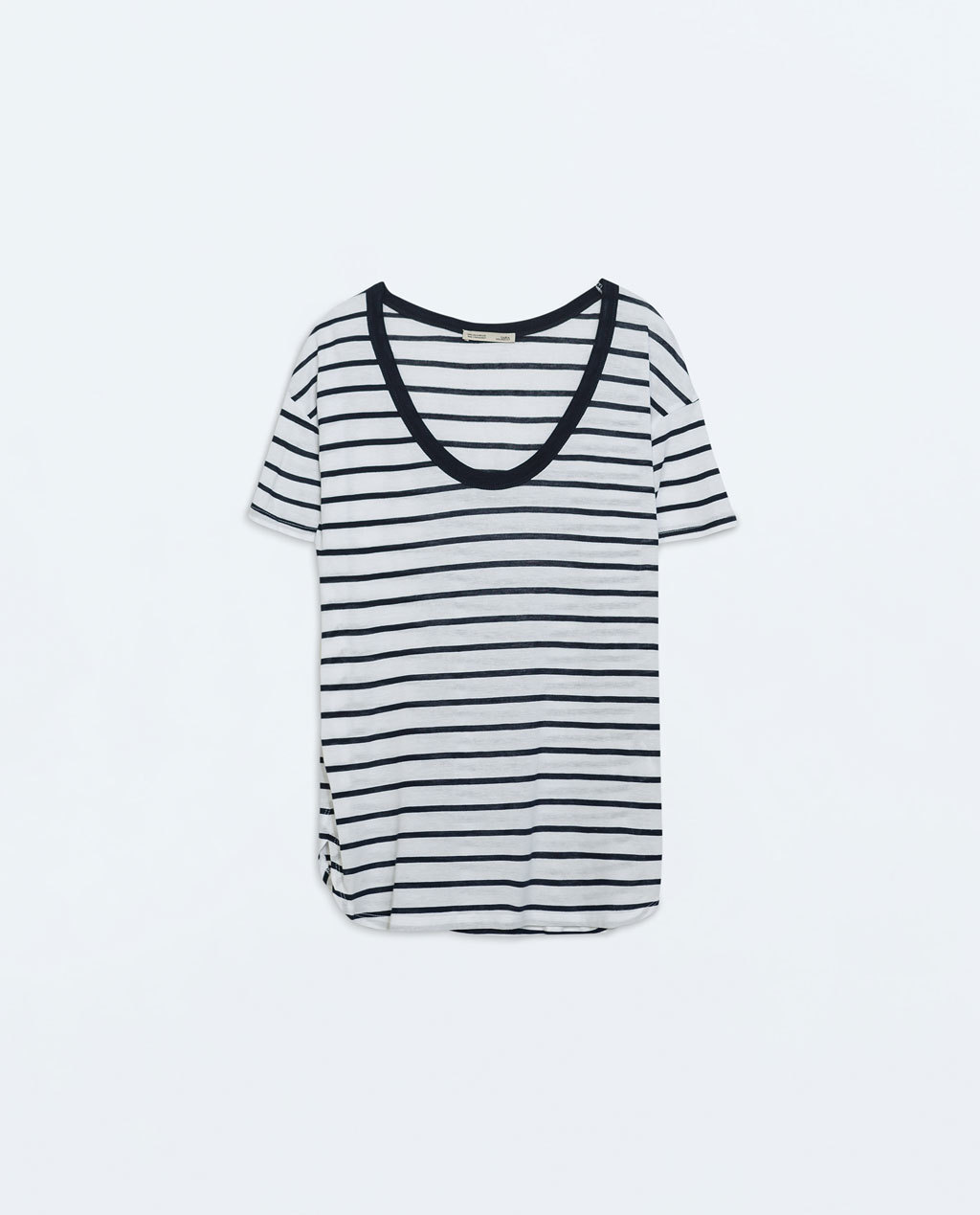 Basic T Shirt - pattern: horizontal stripes; style: t-shirt; predominant colour: white; secondary colour: navy; occasions: casual, creative work; length: standard; neckline: scoop; fibres: cotton - mix; fit: loose; sleeve length: short sleeve; sleeve style: standard; pattern type: fabric; pattern size: standard; texture group: jersey - stretchy/drapey; season: a/w 2014