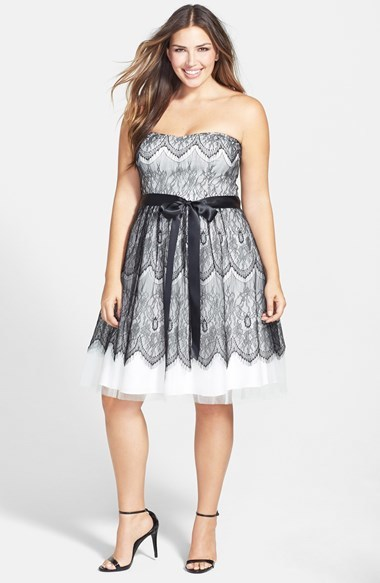 'lace Bradshaw' Strapless Tulle Dress (Plus Size) - neckline: strapless (straight/sweetheart); sleeve style: sleeveless; waist detail: belted waist/tie at waist/drawstring; secondary colour: white; predominant colour: charcoal; occasions: evening, occasion; length: on the knee; fit: fitted at waist & bust; style: fit & flare; fibres: polyester/polyamide - 100%; sleeve length: sleeveless; texture group: lace; pattern: patterned/print; season: a/w 2014