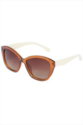 Light Brown Frame Sunglasses With Cream Arms - secondary colour: white; predominant colour: tan; occasions: casual, holiday; style: cateye; size: large; material: chain/metal; finish: metallic; pattern: colourblock; season: s/s 2015; wardrobe: highlight