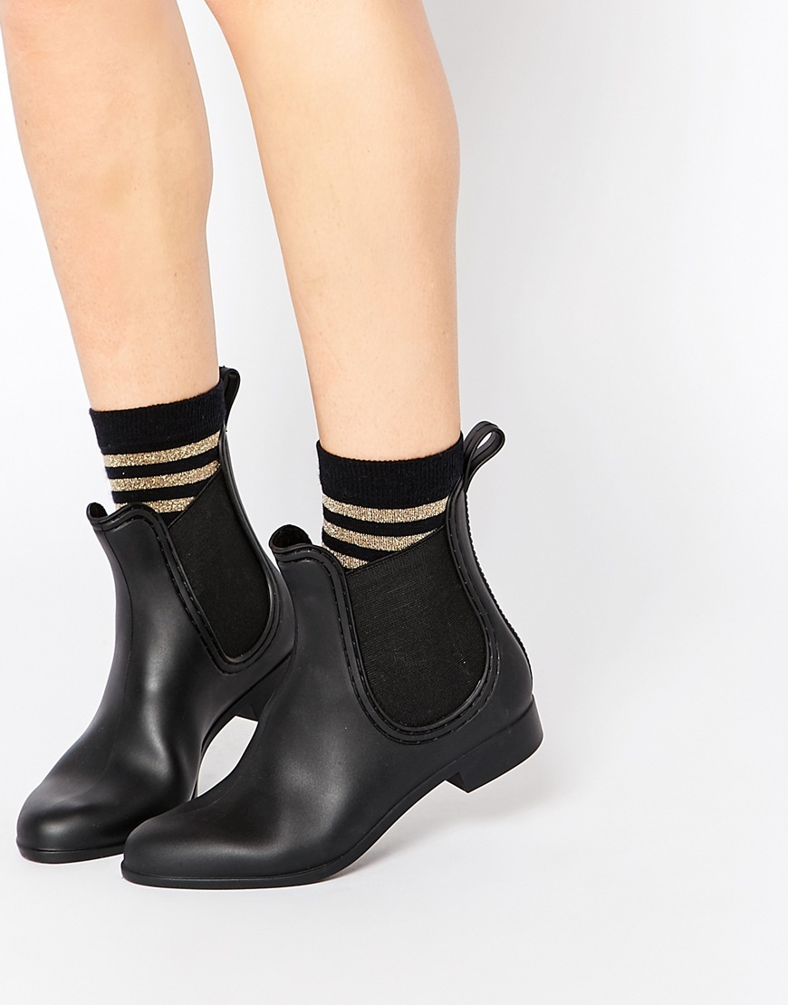 Gamble Wellies Matt Black - predominant colour: black; occasions: casual, creative work; material: faux leather; heel height: flat; heel: block; toe: pointed toe; boot length: ankle boot; finish: plain; pattern: plain; style: chelsea; season: a/w 2015; wardrobe: basic
