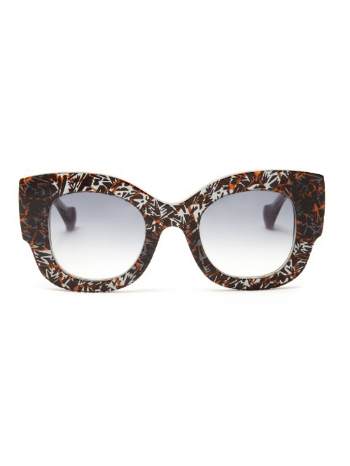 X Thierry Lasry Abstract Print Sunglasses - secondary colour: white; predominant colour: black; occasions: casual, holiday; style: novelty; size: large; material: plastic/rubber; finish: plain; pattern: patterned/print; season: a/w 2015; wardrobe: highlight