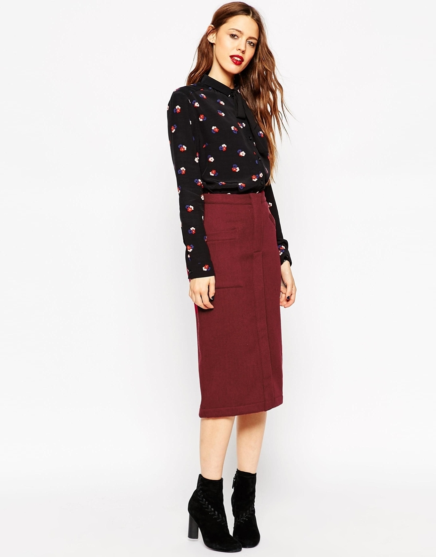 Pencil Skirt In Wool Mix Twill Maroon - length: below the knee; pattern: plain; style: pencil; fit: tailored/fitted; waist: high rise; predominant colour: burgundy; occasions: work; fibres: wool - mix; pattern type: fabric; texture group: woven light midweight; season: a/w 2015