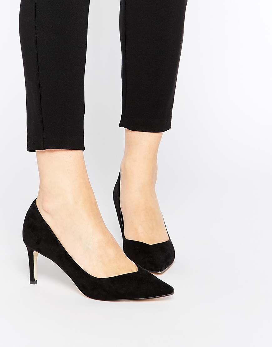 Soulmate Pointed Heels Black - predominant colour: black; occasions: evening, work; heel height: high; heel: stiletto; toe: pointed toe; style: courts; finish: plain; pattern: plain; material: faux suede; season: a/w 2015; wardrobe: investment