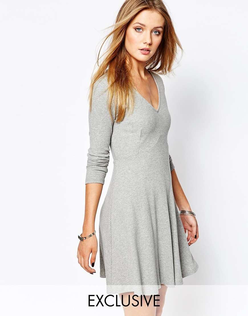Knitted Rib Tea Dress Grey - style: shift; neckline: v-neck; pattern: plain; predominant colour: light grey; occasions: casual, creative work; length: just above the knee; fit: soft a-line; fibres: polyester/polyamide - stretch; hip detail: subtle/flattering hip detail; sleeve length: long sleeve; sleeve style: standard; pattern type: fabric; texture group: jersey - stretchy/drapey; season: a/w 2015; wardrobe: basic