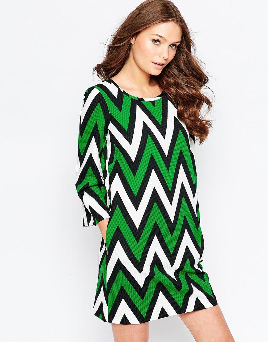 Curious Chevron Shift Dress Black/Green - style: shift; length: mid thigh; secondary colour: white; predominant colour: emerald green; occasions: casual, creative work; fit: straight cut; fibres: polyester/polyamide - mix; neckline: crew; sleeve length: 3/4 length; sleeve style: standard; pattern type: fabric; pattern size: standard; pattern: patterned/print; texture group: other - light to midweight; multicoloured: multicoloured; season: a/w 2015; wardrobe: highlight
