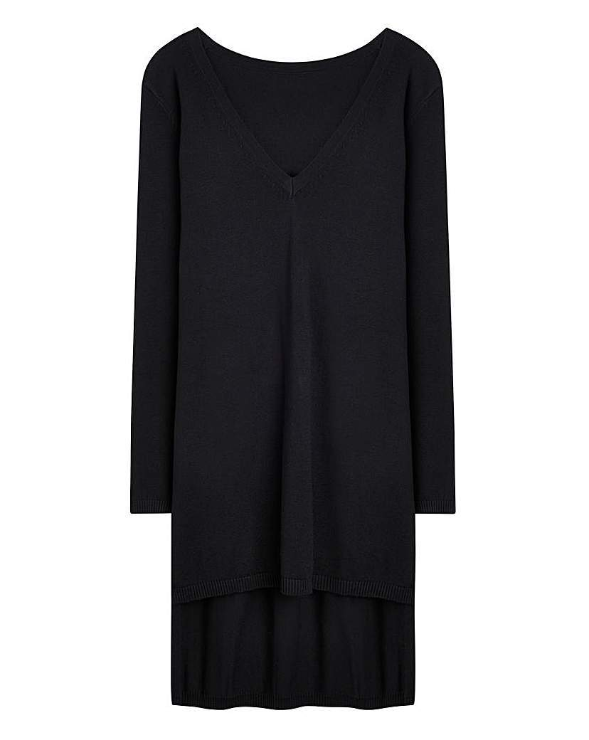 Longline Maxi V Tunic - neckline: round neck; pattern: plain; style: tunic; predominant colour: black; occasions: casual, creative work; fibres: viscose/rayon - stretch; fit: straight cut; length: mid thigh; sleeve length: long sleeve; sleeve style: standard; pattern type: knitted - fine stitch; texture group: jersey - stretchy/drapey; season: a/w 2015; wardrobe: basic