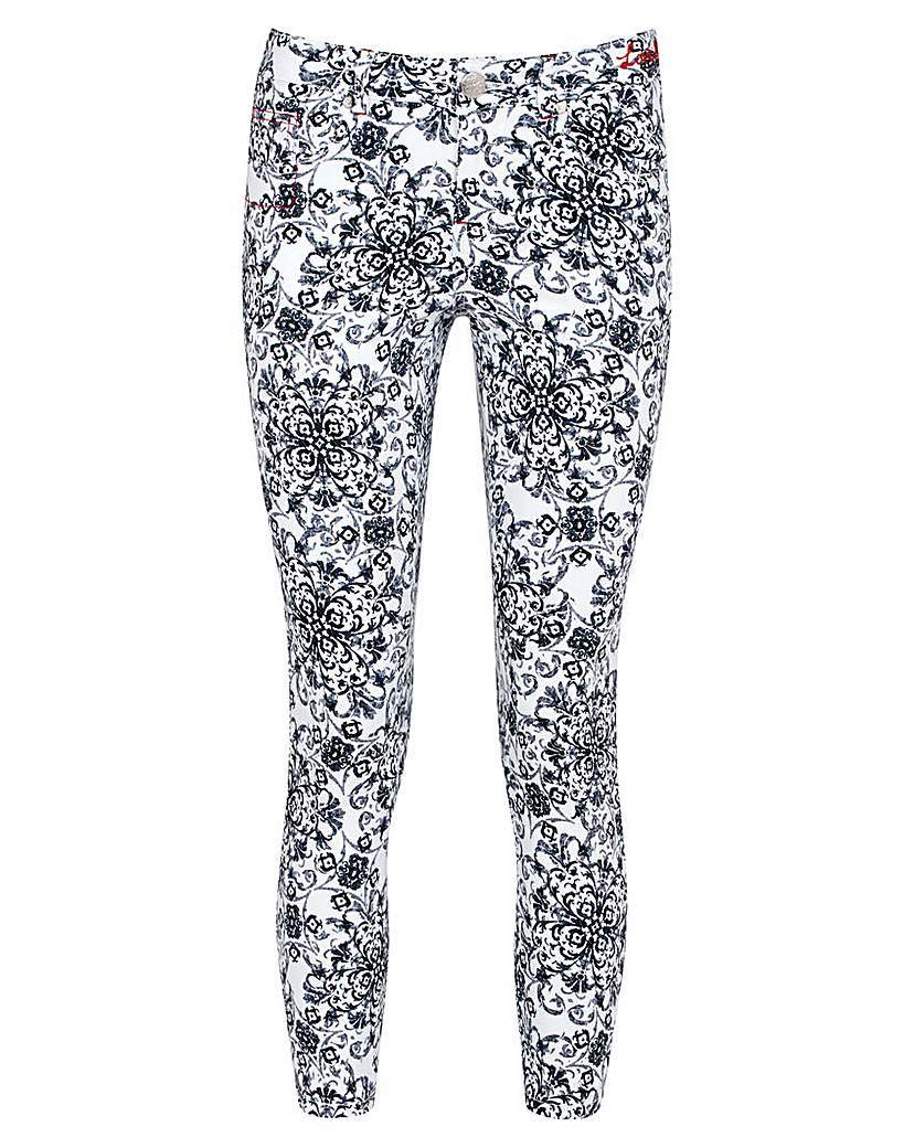 Joe Browns Marvellous Mono Trouser - waist: mid/regular rise; secondary colour: white; predominant colour: black; occasions: casual, creative work; length: ankle length; fibres: cotton - stretch; fit: skinny/tight leg; pattern type: fabric; pattern: patterned/print; texture group: other - light to midweight; style: standard; pattern size: standard (bottom); season: a/w 2015