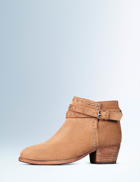 Keira Stud Ankle Boot Biscuit Women, Biscuit - predominant colour: camel; occasions: casual, creative work; material: leather; heel height: mid; embellishment: studs; heel: cone; toe: round toe; boot length: ankle boot; style: standard; finish: plain; pattern: plain; season: a/w 2015; wardrobe: highlight