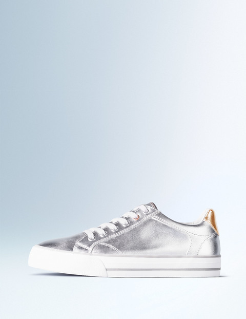 Dana Trainer Silver Metallic Women, Silver Metallic - predominant colour: silver; occasions: casual; material: faux leather; heel height: flat; toe: round toe; style: trainers; finish: metallic; pattern: plain; season: a/w 2015; wardrobe: basic