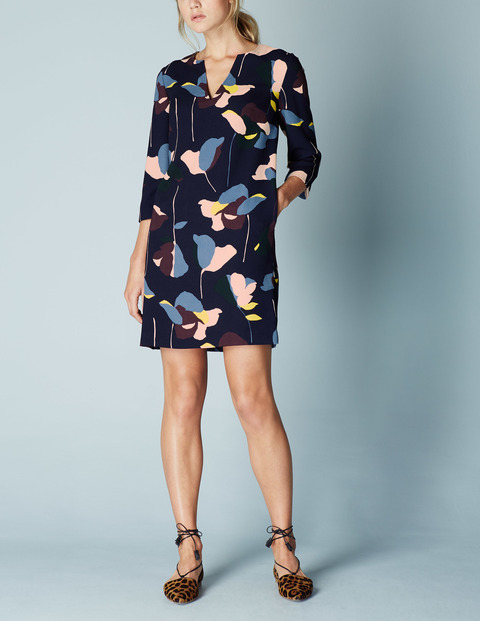 Easy Notch Tunic Summer Dress Navy Collage Floral Women, Navy Collage Floral - style: shift; length: mid thigh; neckline: v-neck; secondary colour: pale blue; predominant colour: navy; occasions: casual; fit: body skimming; fibres: polyester/polyamide - 100%; sleeve length: 3/4 length; sleeve style: standard; pattern type: fabric; pattern: patterned/print; texture group: other - light to midweight; multicoloured: multicoloured; season: a/w 2015