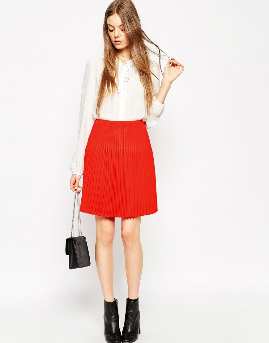 Skirt With Graduated Pleats Red - pattern: plain; fit: loose/voluminous; style: pleated; waist: high rise; predominant colour: true red; occasions: casual, creative work; length: just above the knee; fibres: polyester/polyamide - 100%; pattern type: fabric; texture group: other - light to midweight; season: a/w 2015; wardrobe: highlight