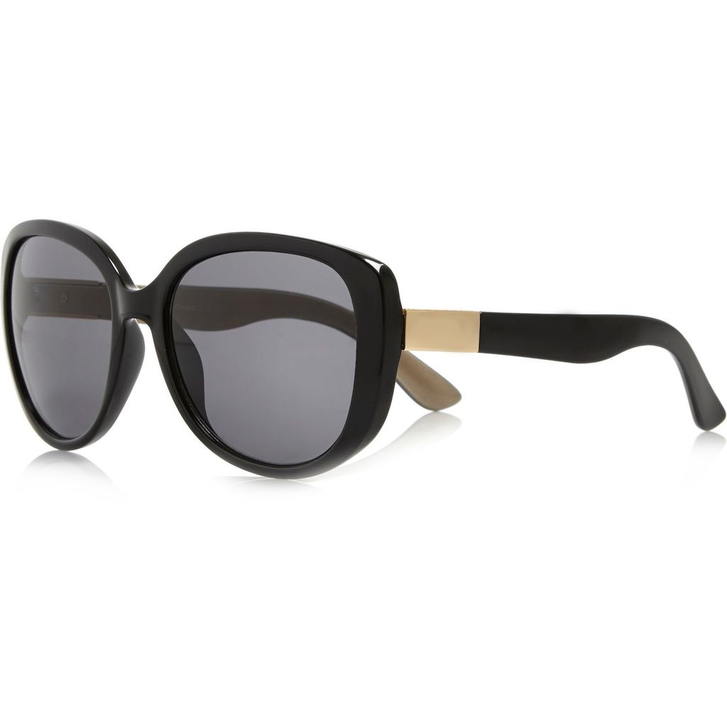 Womens Black Oversized Sunglasses - predominant colour: black; occasions: casual, holiday; style: square; size: large; material: plastic/rubber; pattern: plain; finish: plain; season: a/w 2015; wardrobe: basic