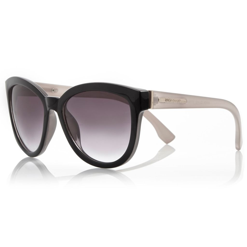 Womens Black Cat Eye Sunglasses - secondary colour: white; predominant colour: black; occasions: casual, holiday; style: round; size: standard; material: plastic/rubber; finish: plain; pattern: colourblock; season: a/w 2015; wardrobe: highlight