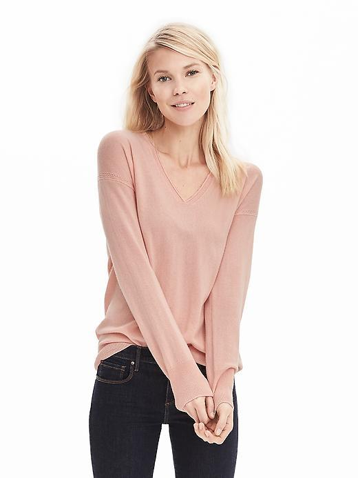 Todd & Duncan Cashmere Vee Pullover Peach Sorbet - pattern: plain; style: standard; predominant colour: blush; occasions: casual; length: standard; fit: slim fit; neckline: crew; fibres: cashmere - 100%; sleeve length: long sleeve; sleeve style: standard; texture group: knits/crochet; pattern type: fabric; season: s/s 2016; wardrobe: investment