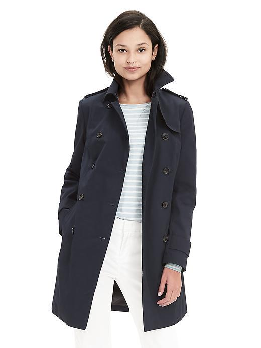 Classic Trench Preppy Navy - pattern: plain; shoulder detail: obvious epaulette; style: trench coat; length: on the knee; predominant colour: navy; occasions: casual, work, creative work; fit: tailored/fitted; fibres: cotton - 100%; collar: shirt collar/peter pan/zip with opening; sleeve length: long sleeve; sleeve style: standard; texture group: technical outdoor fabrics; collar break: high; pattern type: fabric; season: s/s 2016; wardrobe: basic