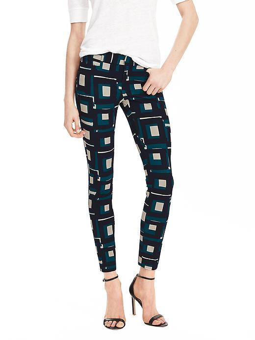 Sloan Fit Geo Slim Ankle Pant Br Geo Print - waist: mid/regular rise; predominant colour: navy; secondary colour: emerald green; occasions: casual, creative work; length: ankle length; fibres: viscose/rayon - 100%; waist detail: narrow waistband; fit: slim leg; pattern type: fabric; pattern: patterned/print; texture group: woven light midweight; style: standard; pattern size: standard (bottom); multicoloured: multicoloured; season: s/s 2016